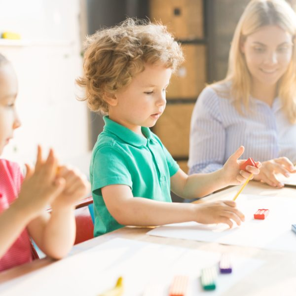 Reconecta con tus hijos en la Crianza Conectada con Rocío Yllas en Decomadreo